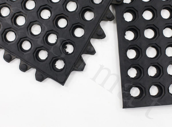 4pcs Interlocking Rubber Mat With Holes Grass Drainage Market Stall Bar Shed 292